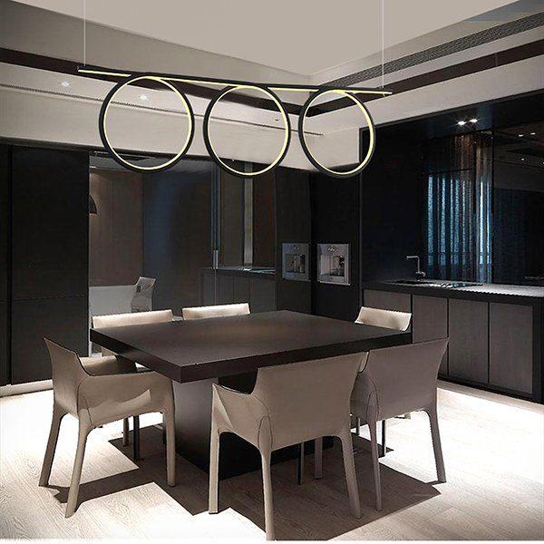 Lampy sufitowe wiszące. Jak wybrać lampy do salonu i jadalni?